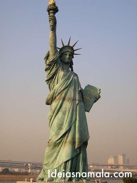 Estátua da Liberdade de tóquio