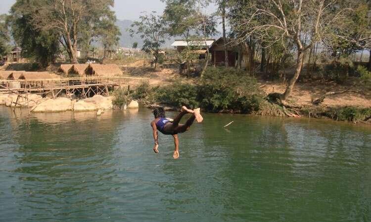 Vang-vien-Laos