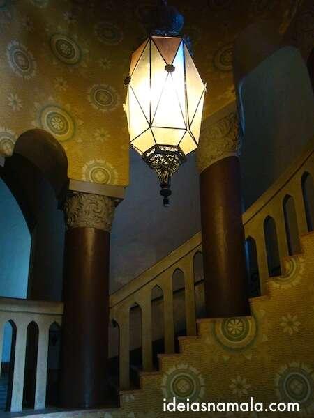 Escadas da corte rumo a torre - Santa Barbara