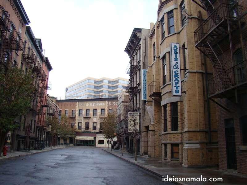 Ruas da Warner: cenários dos mais variados filmes