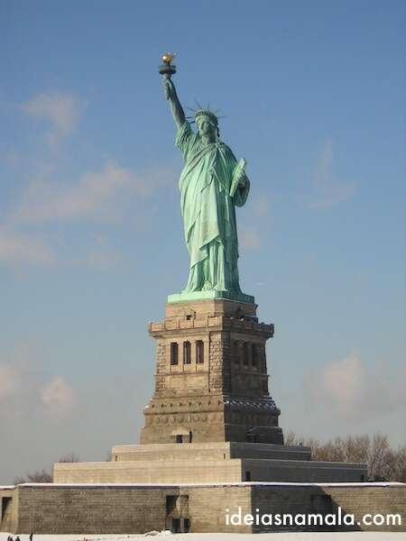 38- Estatua