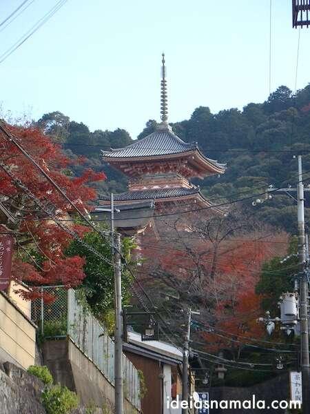 Pagoda vermelha do Templo Kyomizu Dera, Kioto