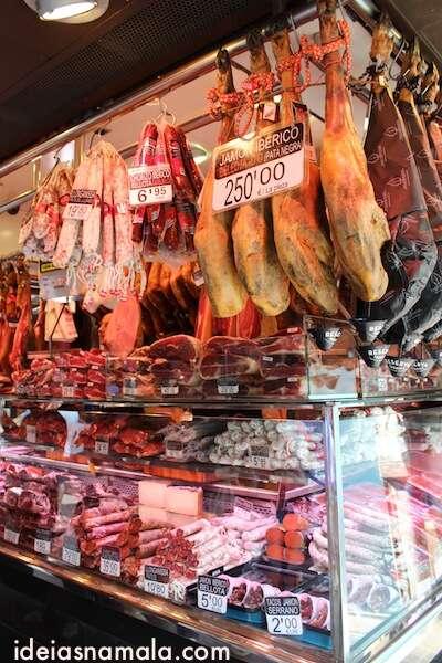 Embutidos no Boqueria em Barcelona