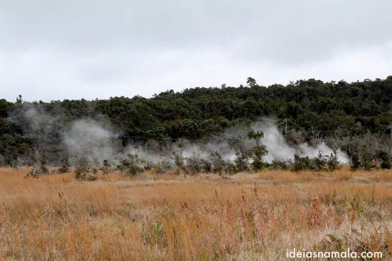 Fumaça que sai da terra - Volcano National Park