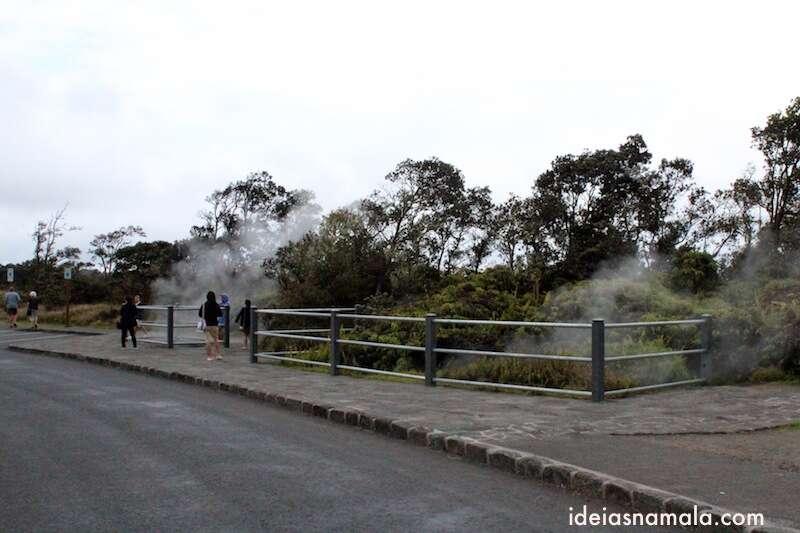 """Turistas """"sentindo a fumaça"""""""
