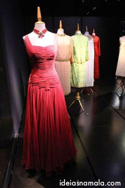 Vestido de Gala desenhado por Dalí