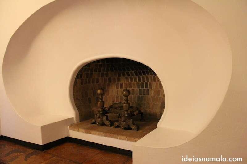 Lareira no estúdio de Dalí