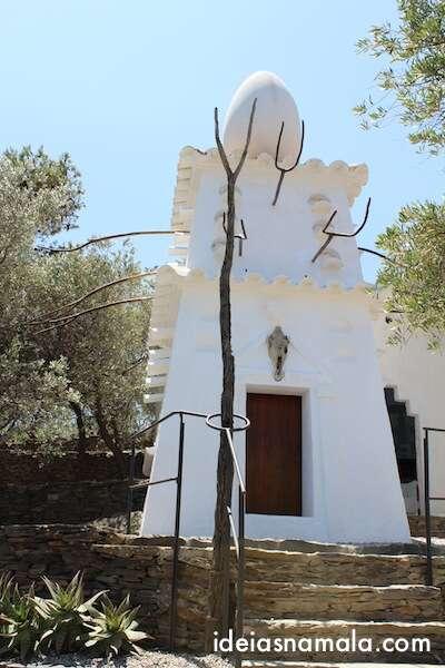 Parte externa da casa de Dalí