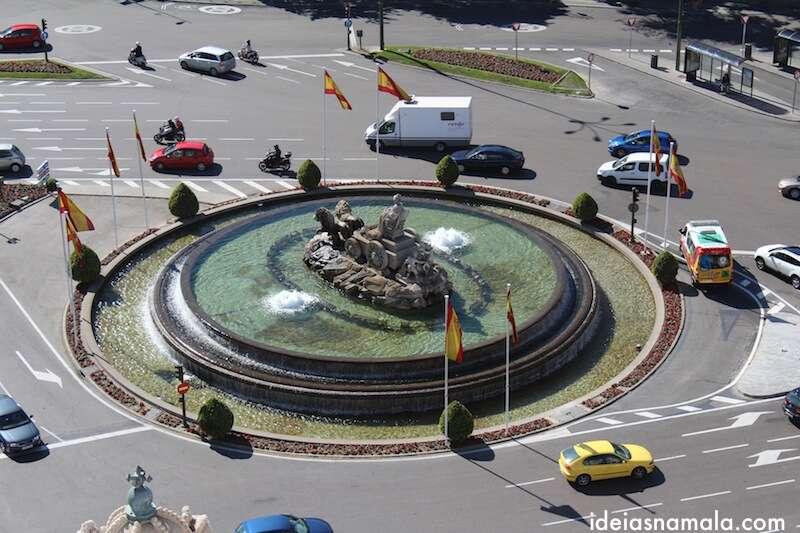 Praça de Cibeles vista do alto do palácio de comunicações