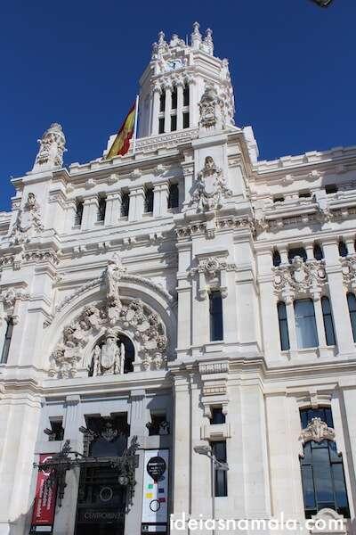 Palácio de Cibeles - um dos prédios mais emblemáticos de Madri