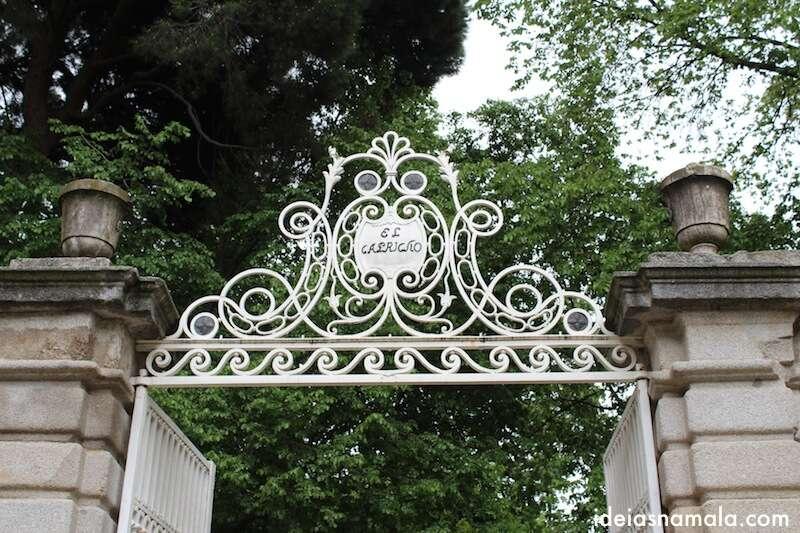 Portão no estilo Art Noveau  - El Capricho