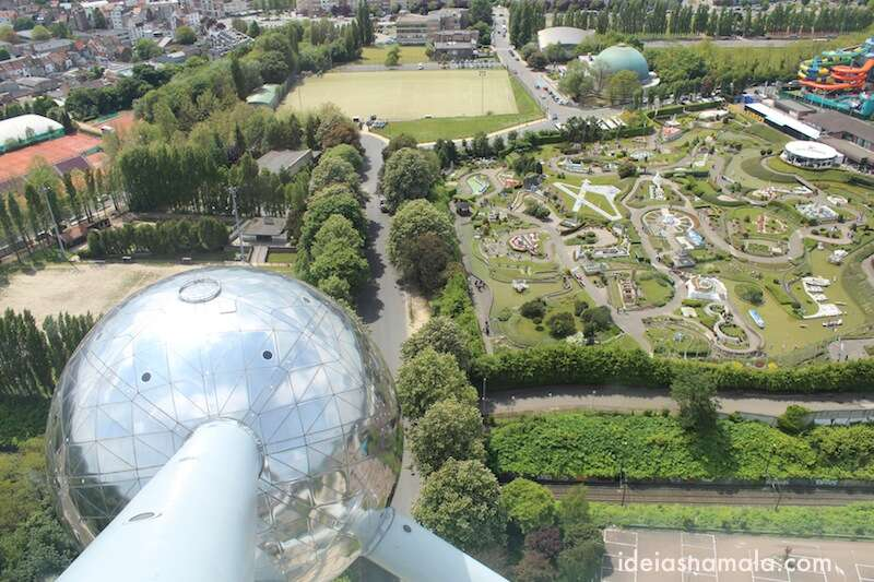 Vista do alto do Atomium