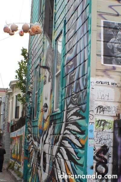 Móbile em Clarion Alley