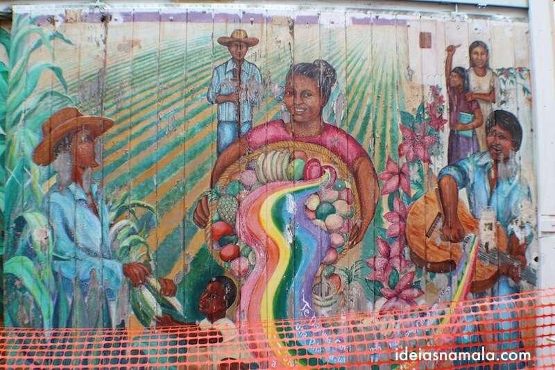 Mural em restauração - Balmy Alley