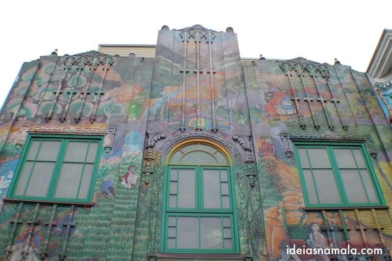 Casa grafitada em Mission