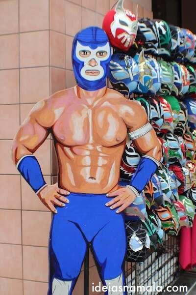 Máscaras de luta livre mexicana em Mission