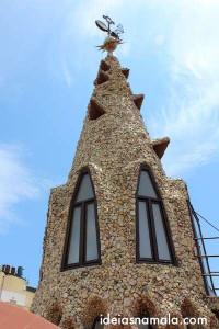 Esculturas de Gaudí no terraço do Palau Güell