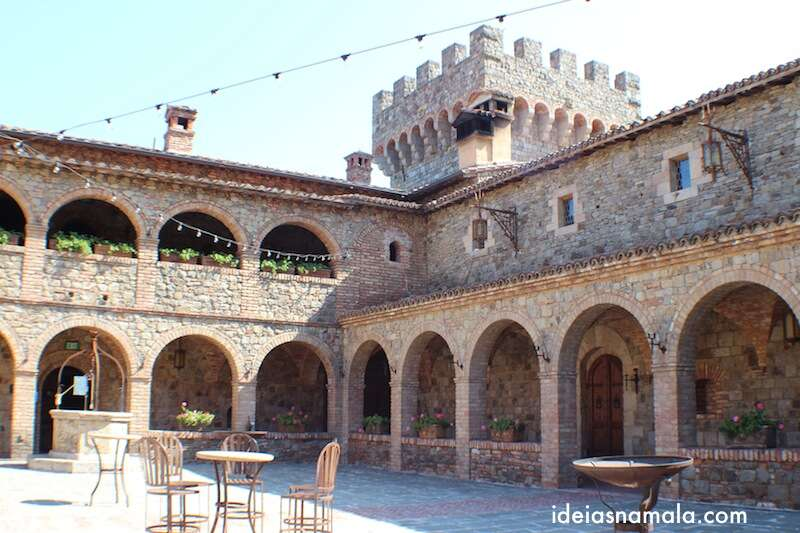 Patio Italiano - Castelo di Amorosa