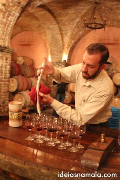 degustação de vinho no Castelo di Amorosa