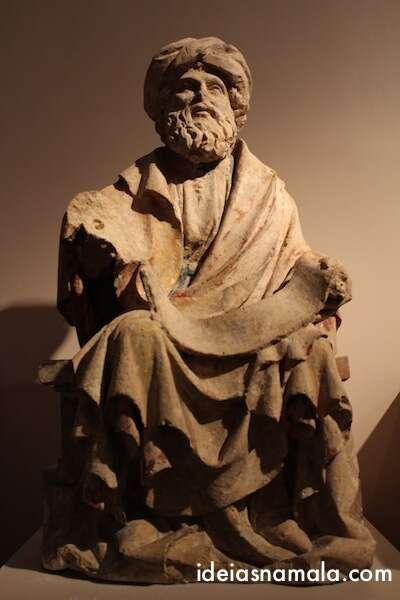 estátua  do museu da cidade de Bruxelas