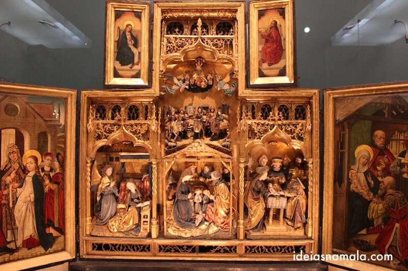altar do museu da cidade de Bruxelas