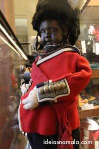 Manneken Pis vestido de soldado inglês