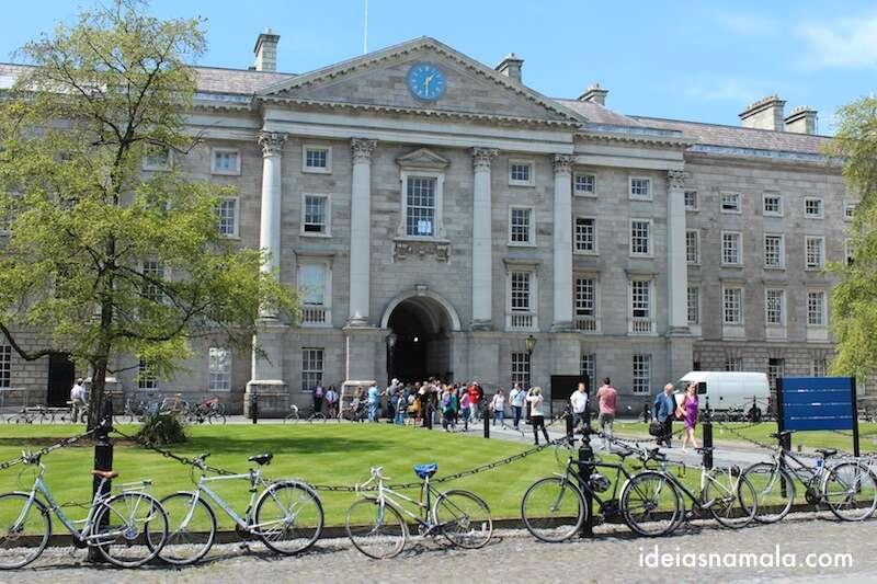 Praça do parlamento - Trinity College - Dublin