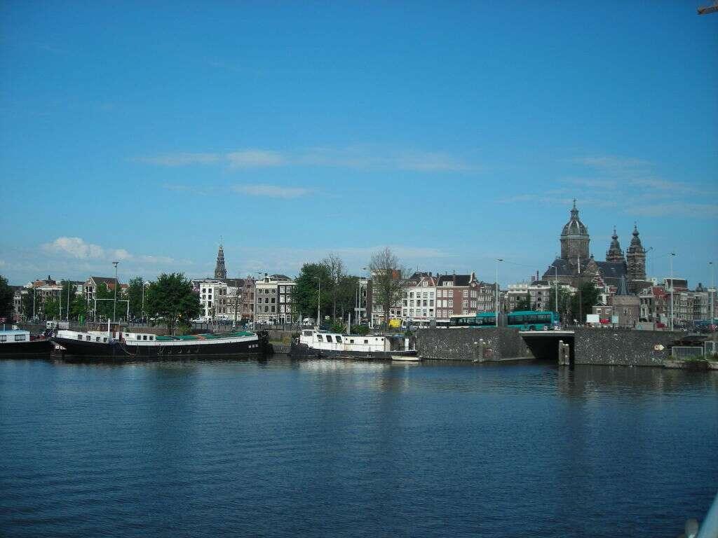 Grande Canal em Amsterdã