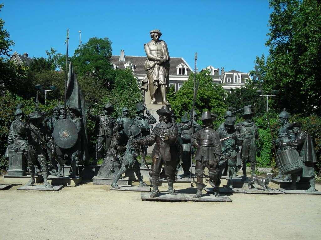Rembrandtplein - A ronda noturna