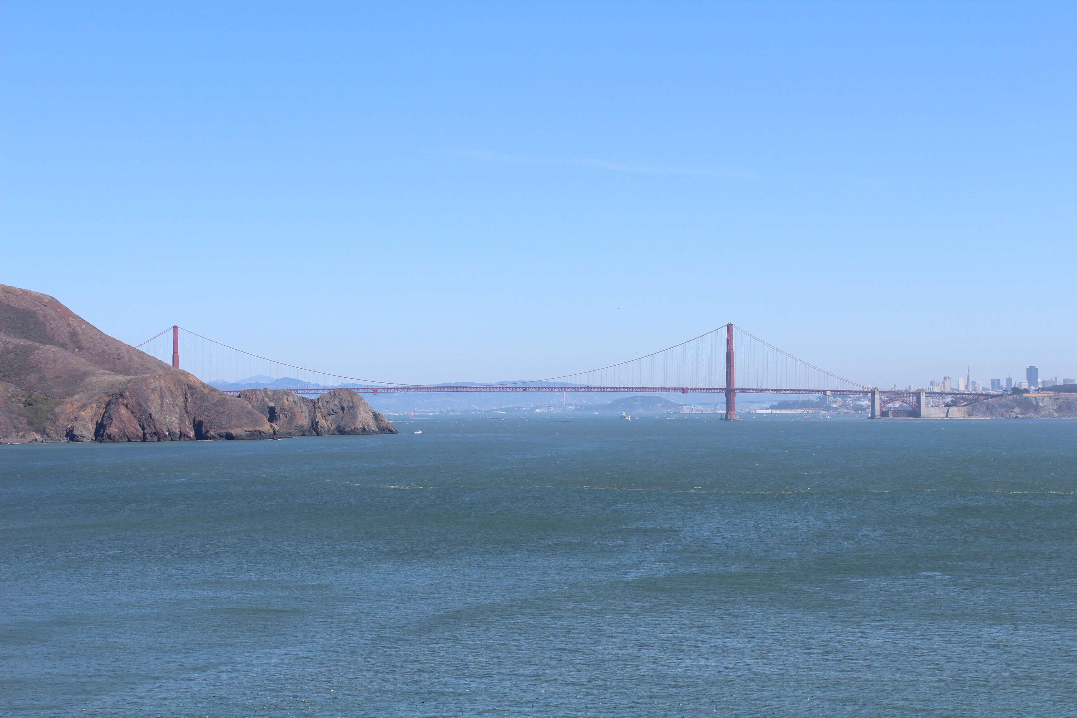 Golden Gate vista para a Bonita Lighthouse - Marin Headlands