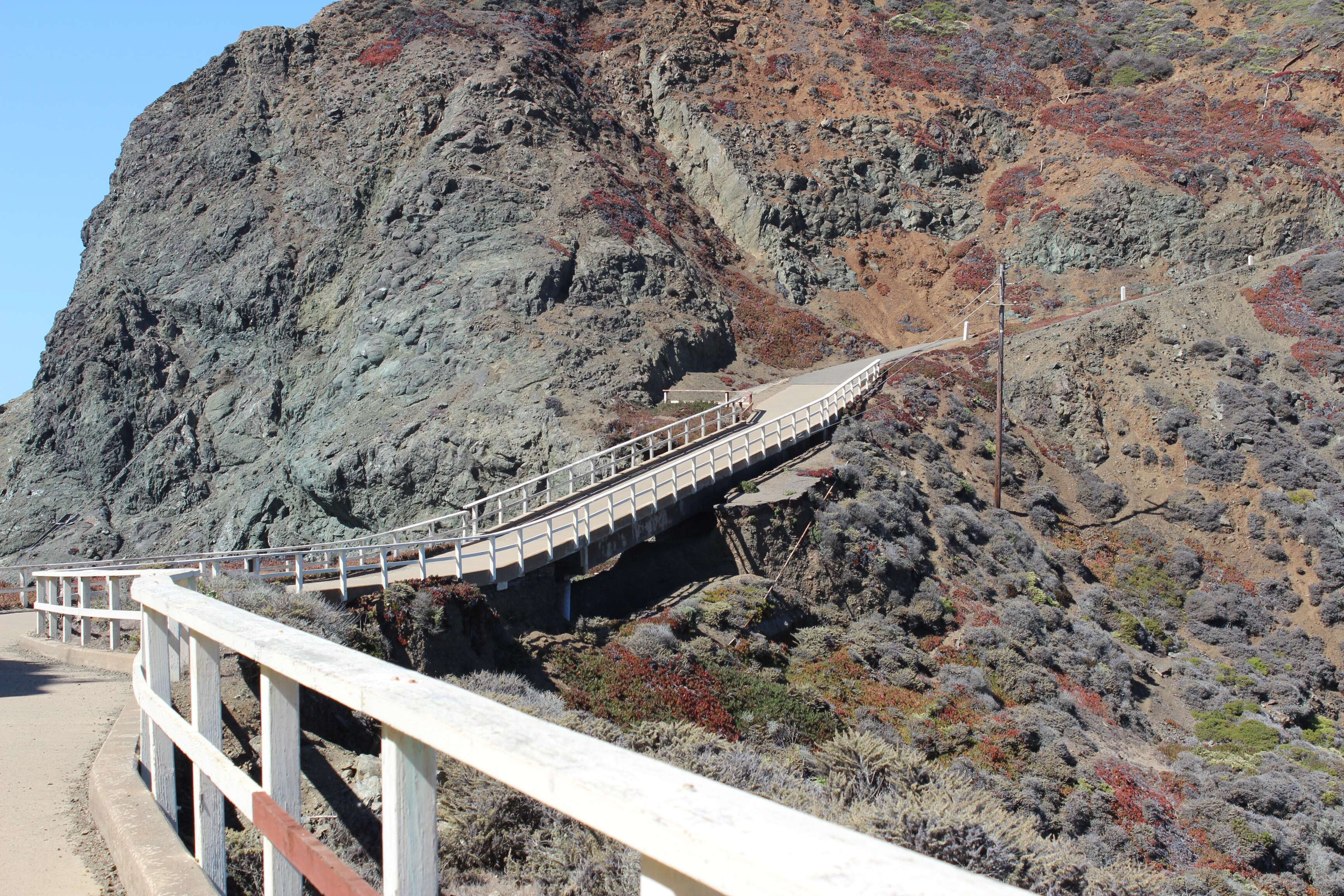 Trilha para a Bonita Lighthouse - Marin Headlands