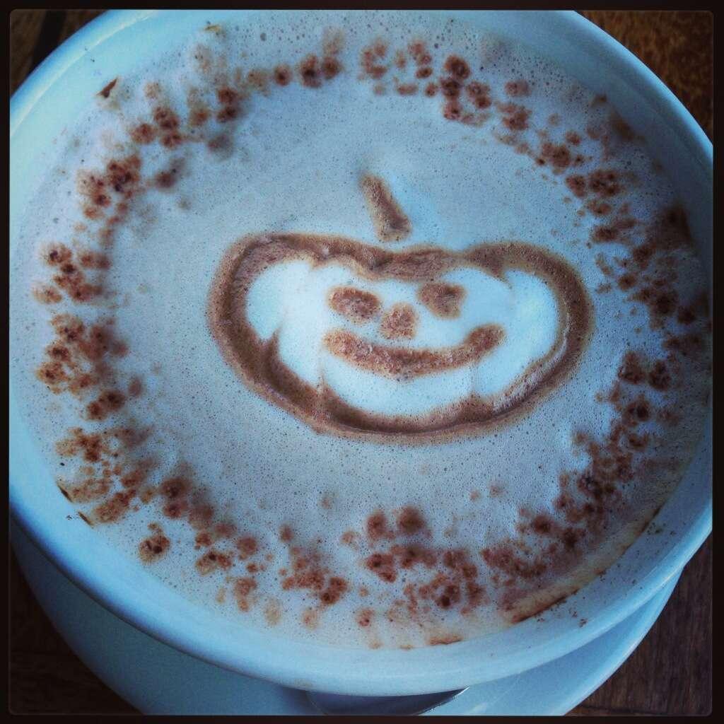chocolate quente estilo Halloween - Le Garage em Sausalito