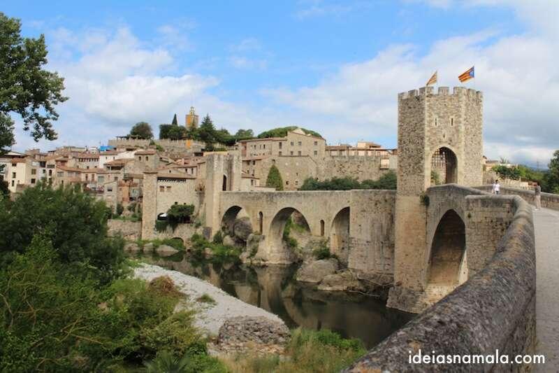 Ponte na entrada de Besalú - Espanha