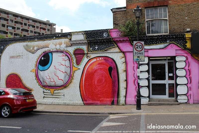 Grafite super bacana do ladinho da Columbia Rd.