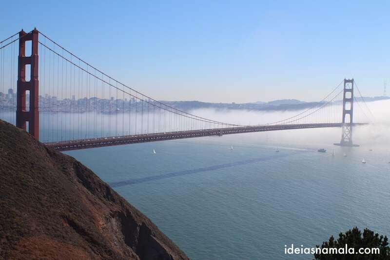 Golden Gate bridge com nuvens