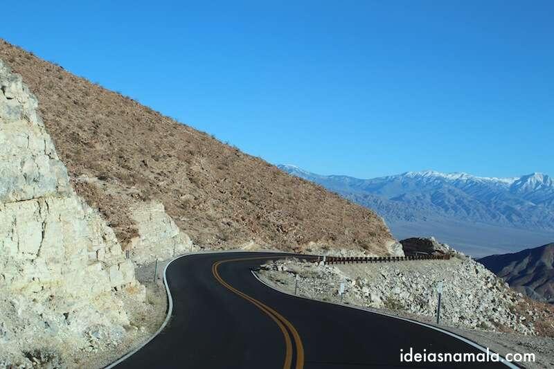 Curva no Death Valley