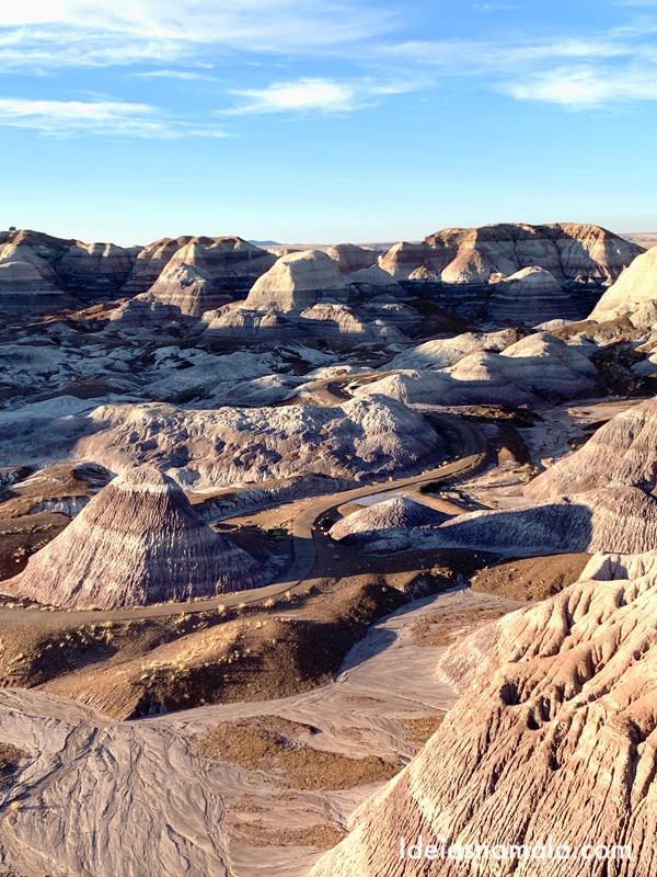 Montanhas coloridas no Blue Mesa