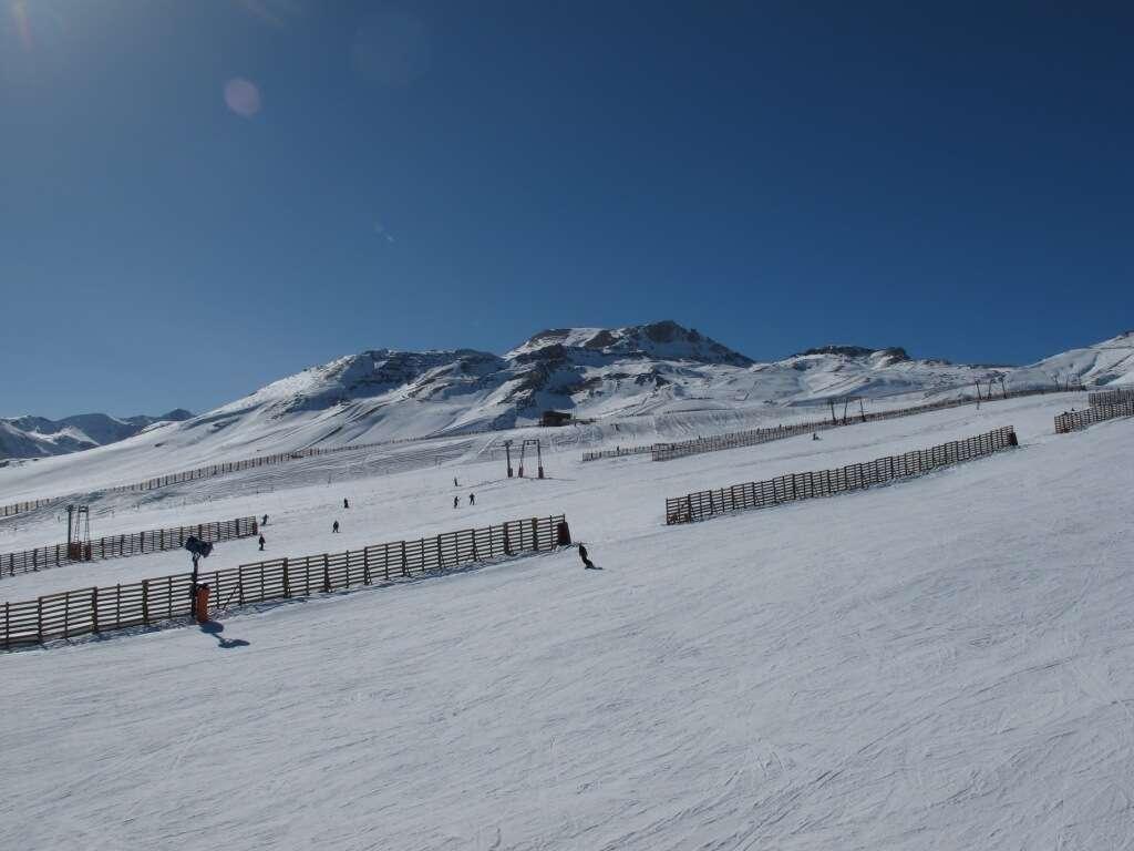 Estacao Colorado em Vale Nevado (Santiago)_002