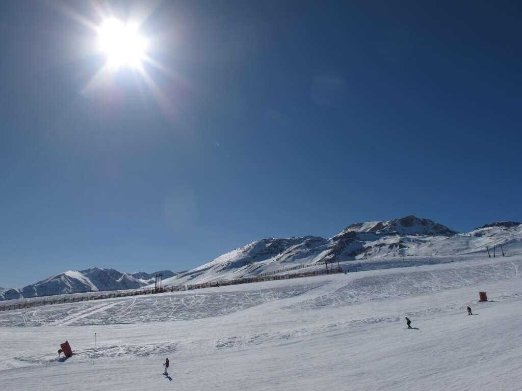 Estacao Colorado em Vale Nevado (Santiago)_003