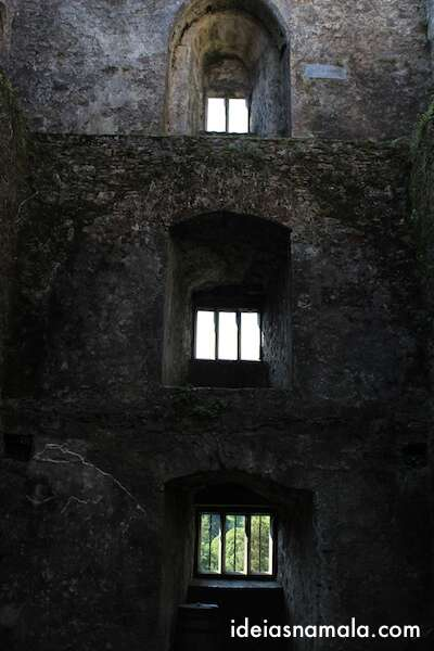 Interior do castelo de Blarney