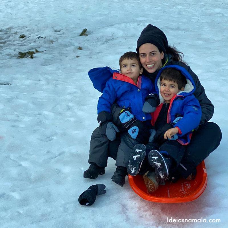 Sled em Mammoth Lakes no inverno
