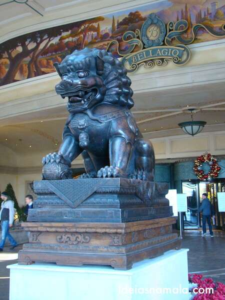 Leões na entrada do Bellagio