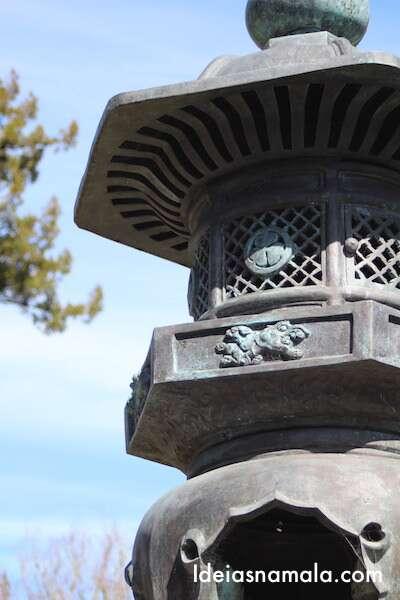 Lanterna tradicional no Jardim Japonês de São Francisco