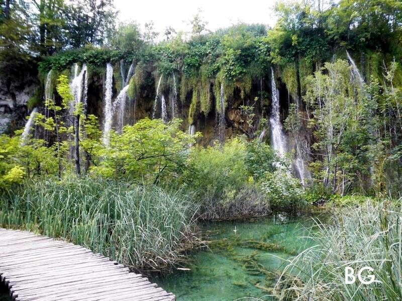 Plitvicka Jezera: o parque dos lagos e cachoeiras