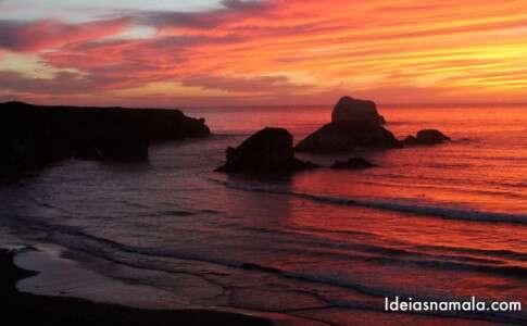 Pôr do sol na Sand Dollar Beach - Big Sur