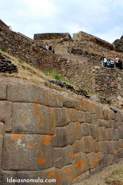 Pedras gigantes em Ollantaytambo