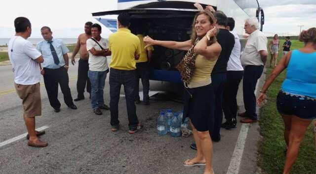 ônibus quebrado em Cuba