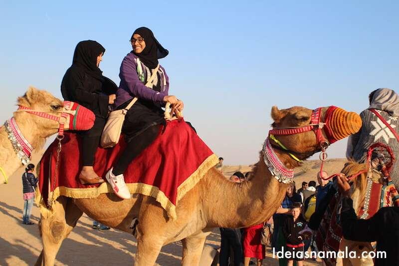 Passeio de Camelo em Dubai