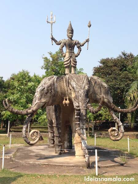Buda Park, Laos
