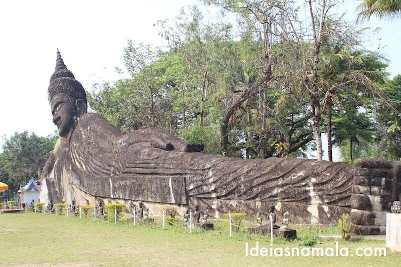 Buda Gigantes no Budha Park